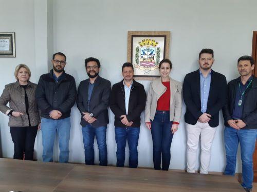 Prefeito, Secretários e Agentes da Fomento Paraná