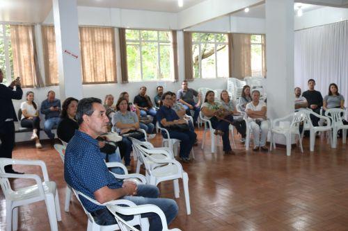 Deputado Federal Aliel Machado formaliza entrega de tablets aos agentes comunitários de Turvo