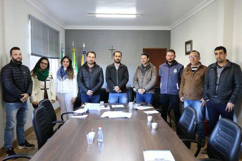 Nova diretoria da ACET busca parceria com a prefeitura