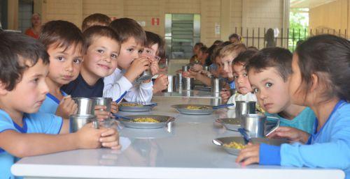 Saiba o que seu filho come na escola