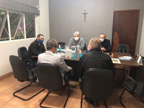 Unicentro doa ao município de Turvo insumos para prevenção e combate ao coronavírus
