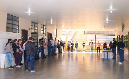 Entrega de Materiais Escola João Miguel Maia