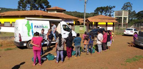 Secretaria da Família e Desenvolvimento Social faz entrega de materiais para Aldeia Kaigang