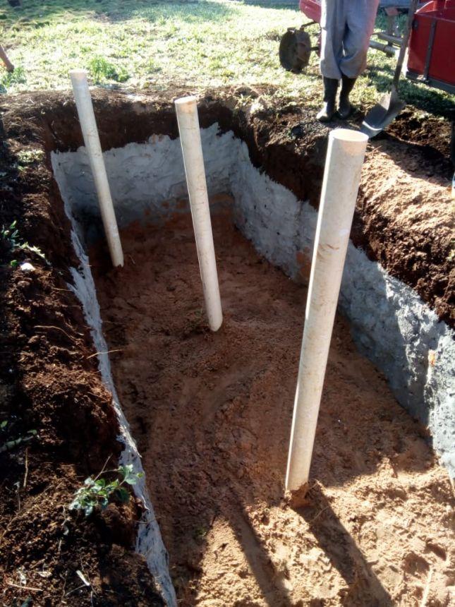 Construção de fossa de evapotranspiração