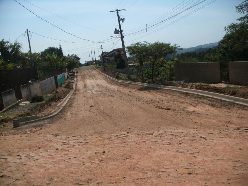 Mais Obras de Pavimentação e Esgoto