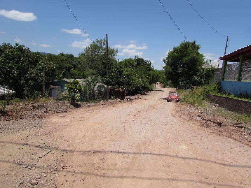Pavimentação poliédrica na Rua Ubazinho