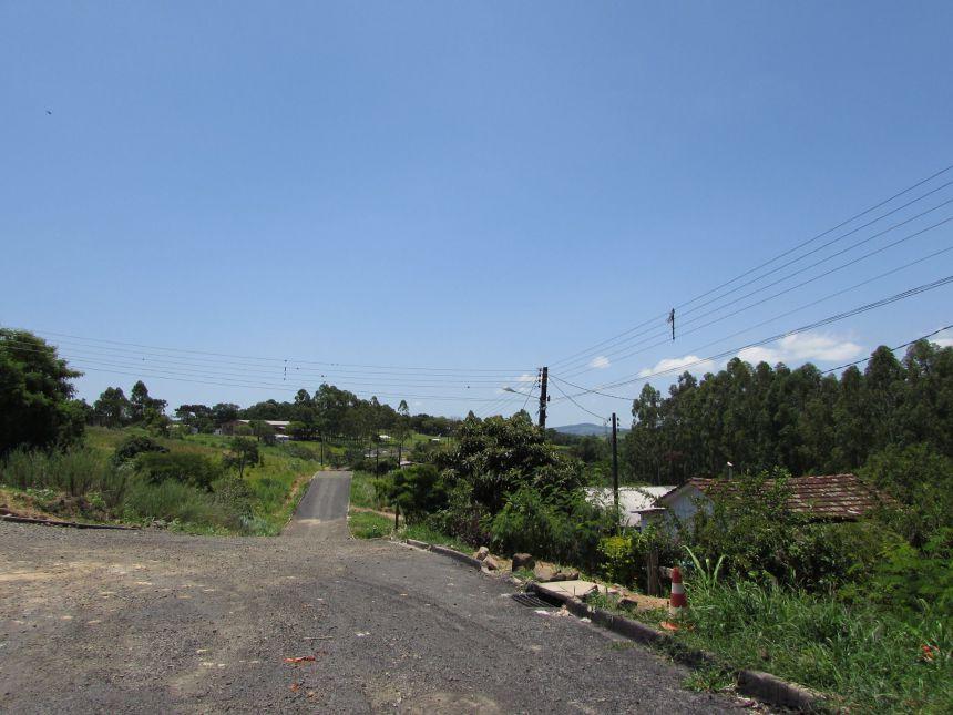 Pavimentação asfáltica em diversos locais