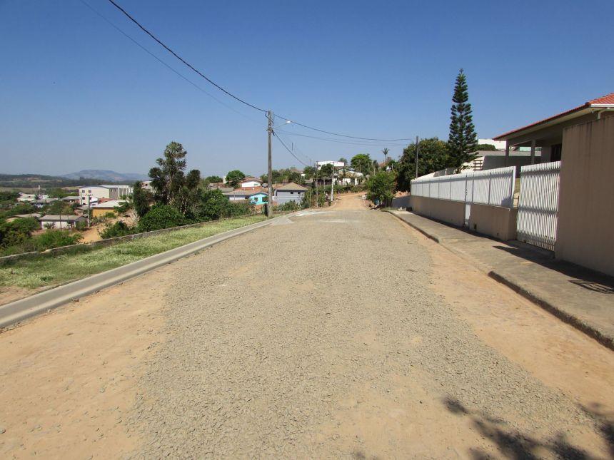 Recape asfáltico das ruas Dr. Artur M. Franco e Rua Carmélia M. Carneiro