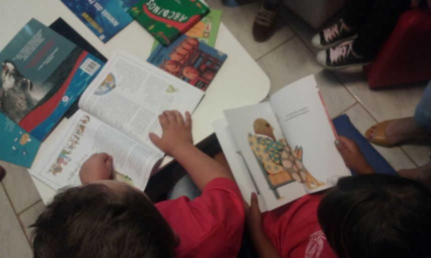 ALUNOS  DA EDUCAÇÃO INFANTIL DA ESCOLA DAVID FEDERMANN AGRACIADOS COM ESPAÇO DE LEITURA E BIBLIOTECA