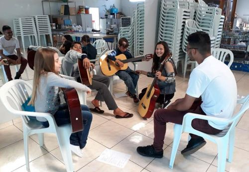 Oficina de musicalidade... Turma de violão