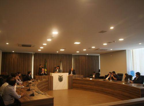 Reunião na Assembléia Legislativa do Paraná