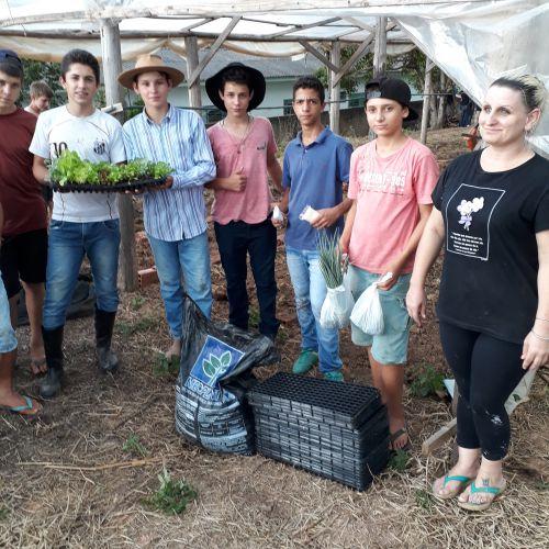 Casa Familiar Rural de Cândido de Abreu recebe apoio do município