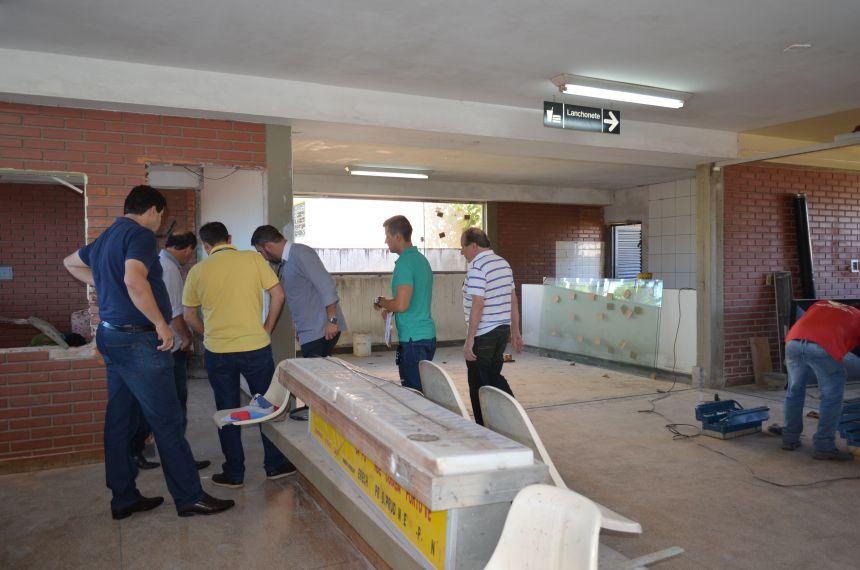 """Prefeito """"Pecinha"""" e Secretários vistoriam obras em andamento no município"""