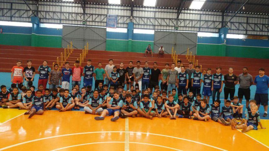 Ex atleta Mauro Aparecido (Maurinho) realiza palestra para atletas de futsal da Secretária de Esportes