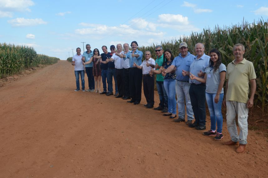 Deputado Frangão visita município e anuncia emenda de R$ 800 mil para calçamento poliédrico no interior