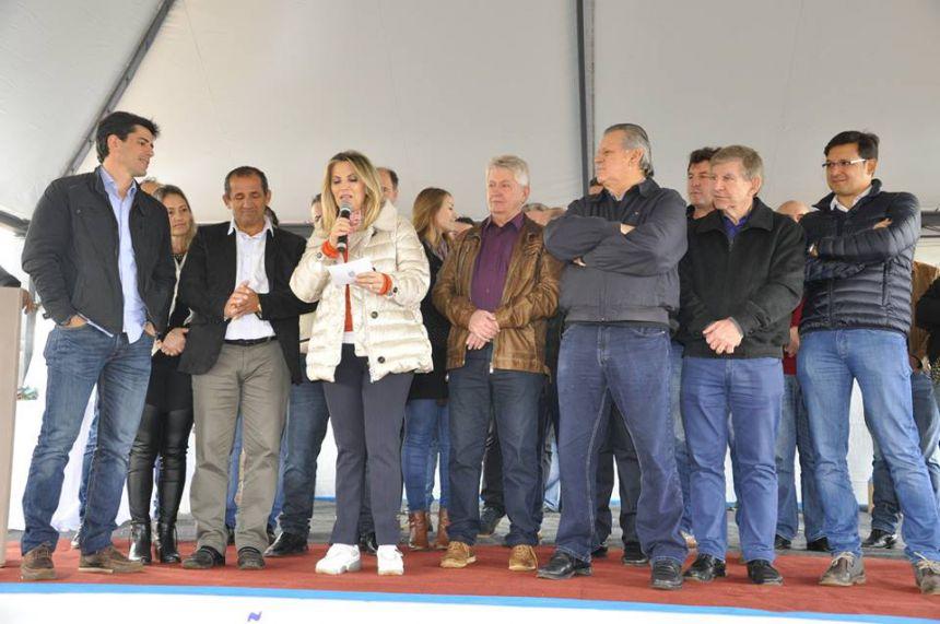 Governadora Cida Borghetti anuncia pavimentação asfáltica entre Palmitópolis à Jotaesse e Palmitópolis à Cafelândia