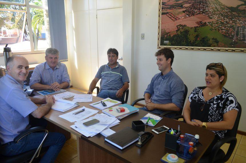 Administração municipal de Nova Aurora recebe visita da coordenadoria regional da COHAPAR