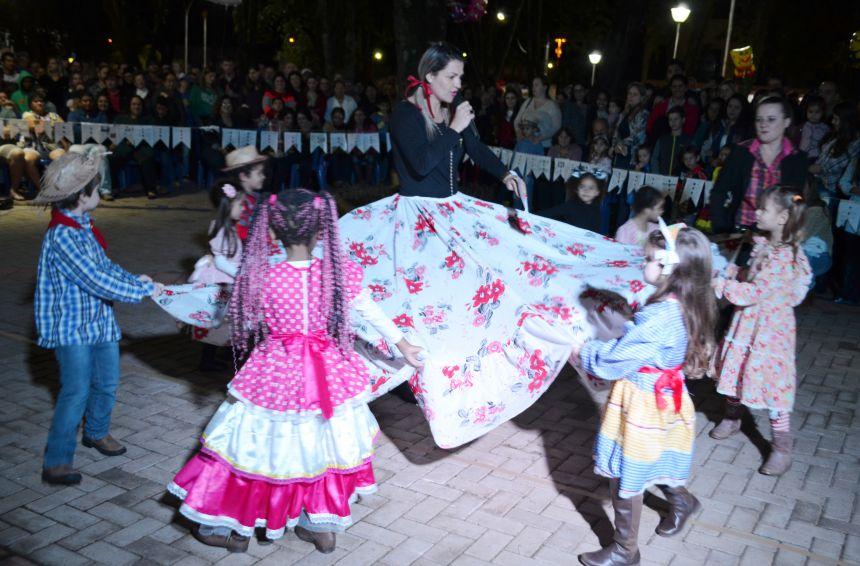 Nova Aurora realiza 2º Festa Junina das escolas municipais
