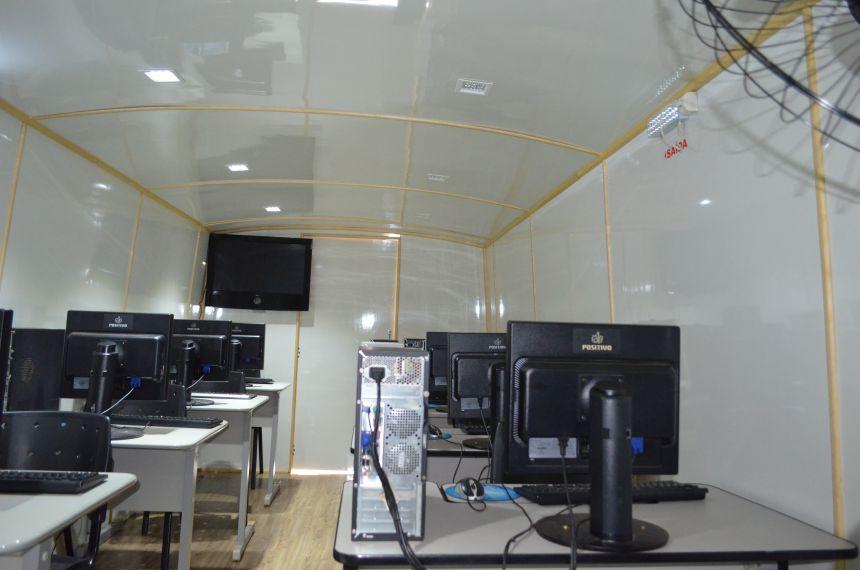O projeto ônibus Digital estacionou no distrito do Marajó
