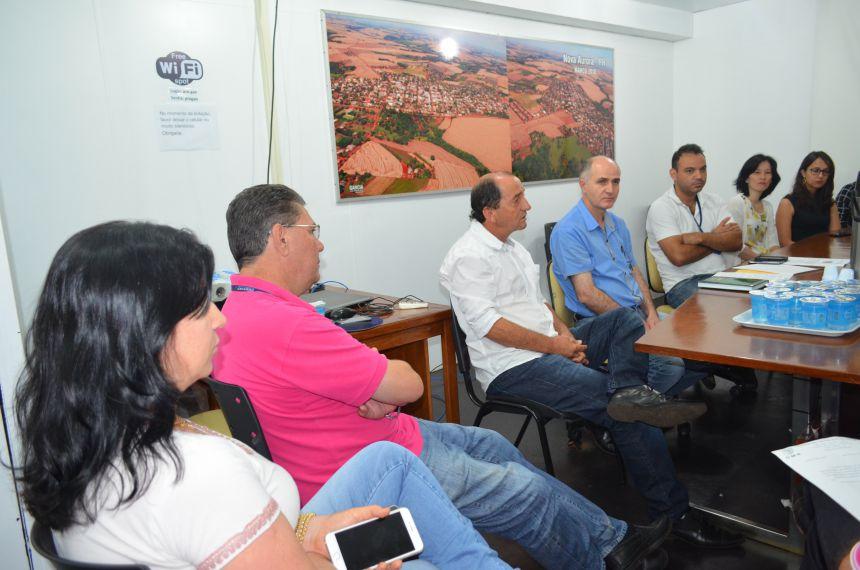 Prefeito Pecinha recebe Pedro da Farmácia e equipe de transição
