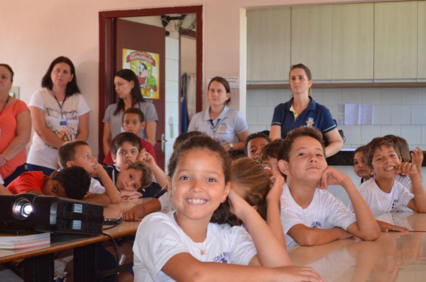 A Secretaria Municipal de Assistencia Social, em parceria com a Secretaria de saúdeesta percorrendo as escolas do município dando início assim a campanha de combate a Dengue