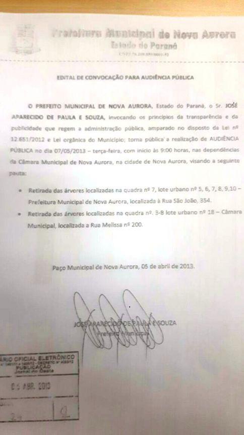 Retirada das Palmeiras do Paço Municipal
