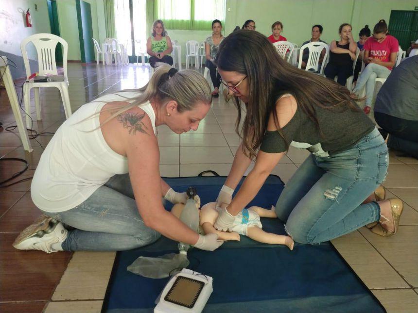 Funcionários da Saúde passam por capacitação sobre urgência e emergência com socorristas do SAMU