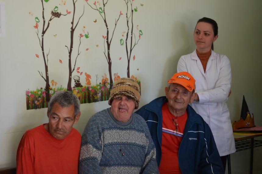 Projeto Leva Alunos em Visita ao Lar São Roque