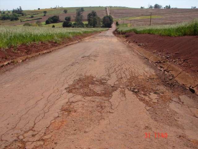 Asfalto de Marajó à Palmital está sendo recuperado