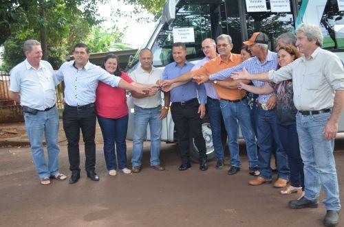 Nova Aurora recebe ônibus para transporte sanitário de pacientes
