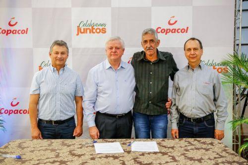 Nova Aurora renova parceria de projetos sociais com a Copacol