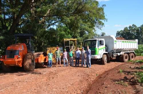 Estradas rurais passam por manutenção