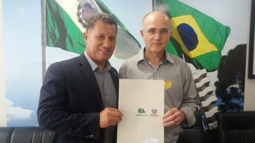 Nova Aurora recebe recursos do Governo Estadual para sinalização e aquisição de equipamento rodoviário