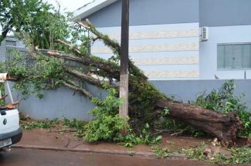 Forte chuva atinge o município de Nova Aurora