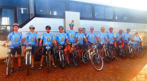 Ciclistas representam Nova Aurora em campeonato regional