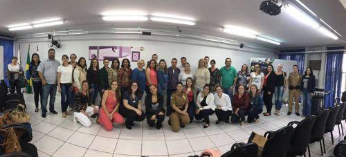 Secretaria de Educação participa de capacitação em Cascavel sobre Proerd