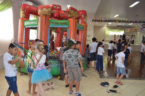 Crianças da rede municipal participam do Carnaval promovido pela Cultura em Nova Aurora
