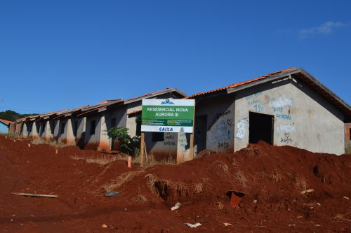 Obras das casas sub 50 retornam na próxima segunda-feira
