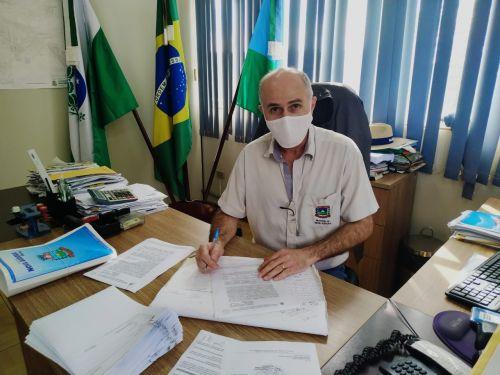 Prefeito Pedro assina convênio com SEAB e DER para pavimentação da PR 574 entre Nova Aurora à Cafelândia