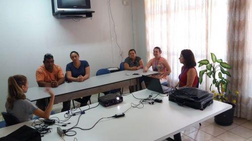 """Nova Aurora capacita famílias para o programa """"Família Acolhedora"""""""