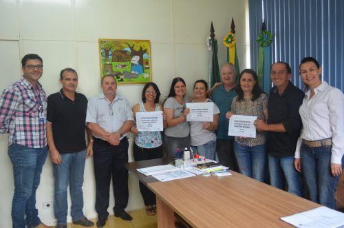 Prefeito Pecinha entrega pré-projeto do Estatuto do Servidor ao Sindicato
