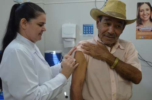 Secretaria Municipal de Saúde inicia vacinação contra a gripe