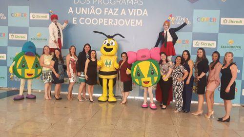 Educação de Nova Aurora participa de Encontro Interestadual do Cooperjovem em Curitiba