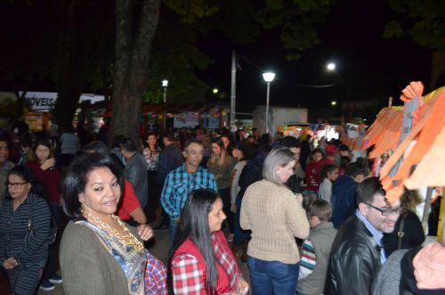 """Município realiza festa junina e sorteio do """"Bom de Nota"""" com recorde de público"""