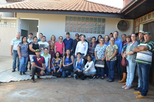Produtores de Mamboré conhecem agroindústrias de Nova Aurora