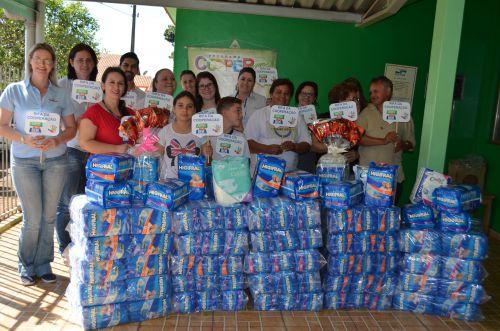 Escolas fazem doação de fraldas geriátricas ao Lar São Roque de Nova Aurora