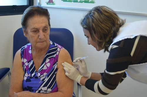 """Dia """"D"""" de vacinação foi realizado neste sábado em Nova Aurora"""