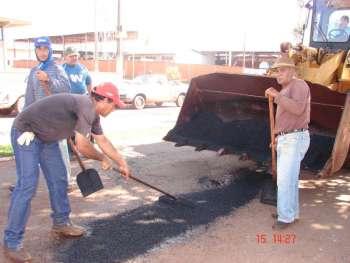 Prefeitura de Nova Aurora inicia operação tapa buracos