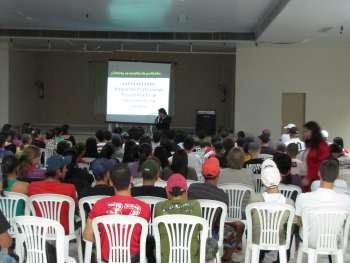 Palestra direcionada aos jovens aborda empregabilidade