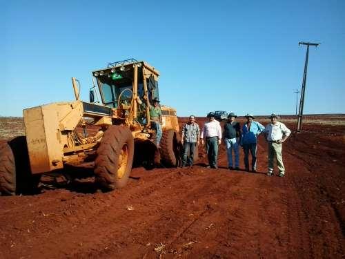 Governo Municipal realiza adequação na estrada Maracanã